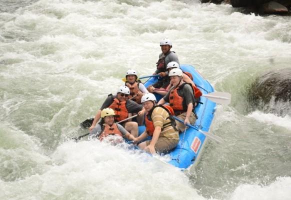 Wild-Wasser-fahren-in-Costa-Rica