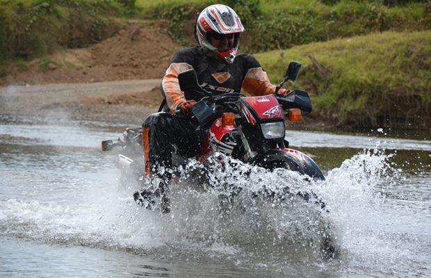 Flussdurchfahrt Motorradtour