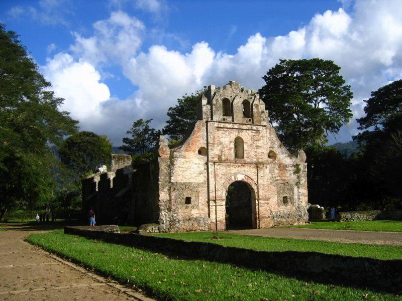 Ruinen Ujarras